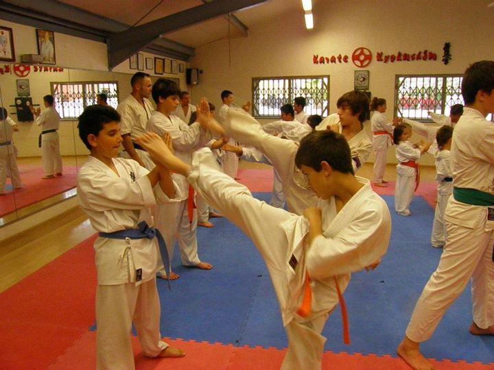 Entrenamiento en el gimnasio golden gym de torrevieja for Gimnasio el gym